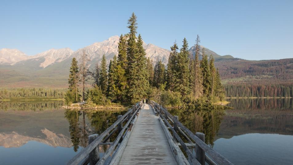 The wooden bridge at Pyramid Lake