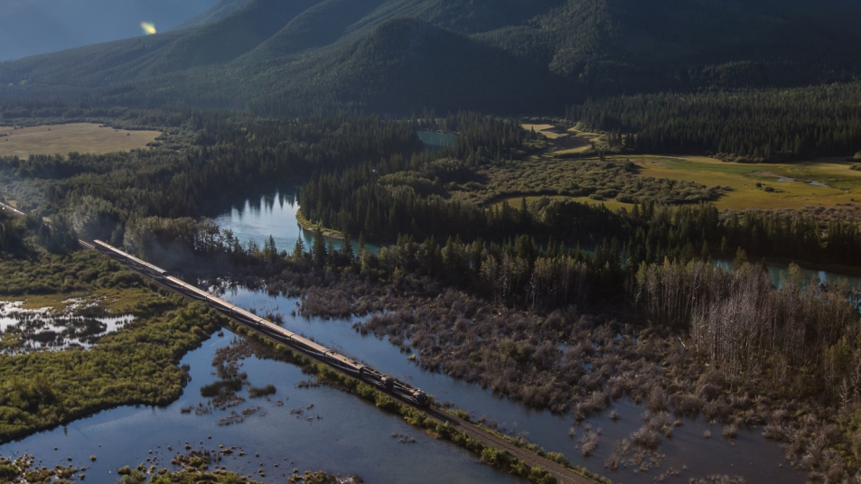 Rocky Mountaineer travels through Vermillion Lakes